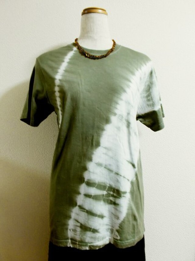 Tシャツ(斜め絞り染・黄緑グレー)の画像1枚目
