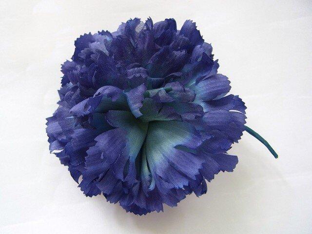 青紫色のカーネーションコサージュ(小)の画像1枚目