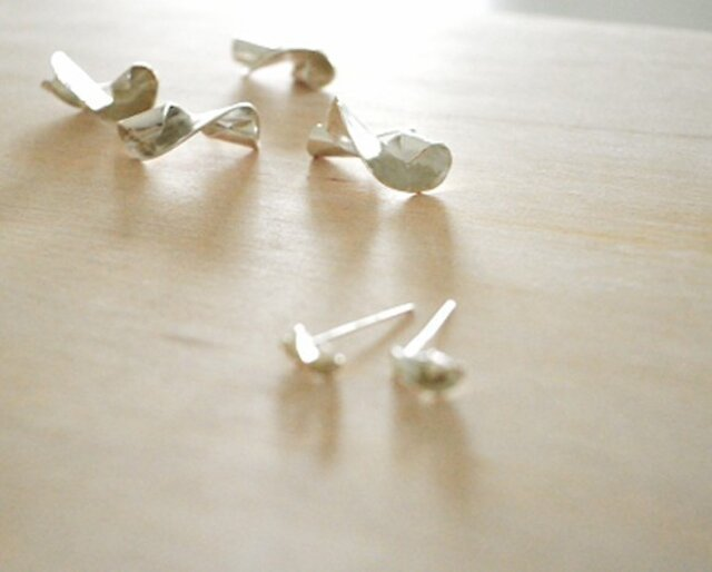 Twisted Silver Earring Lの画像1枚目