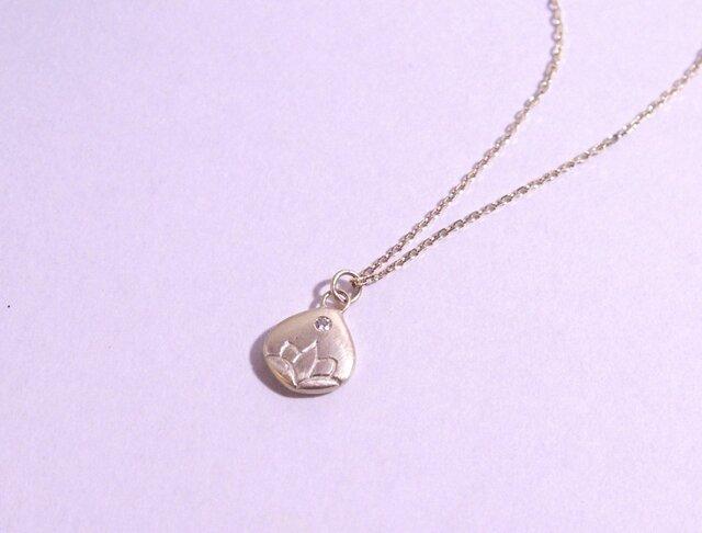 K10/ダイヤ 蓮 DRAW(手彫り)ネックレスの画像1枚目
