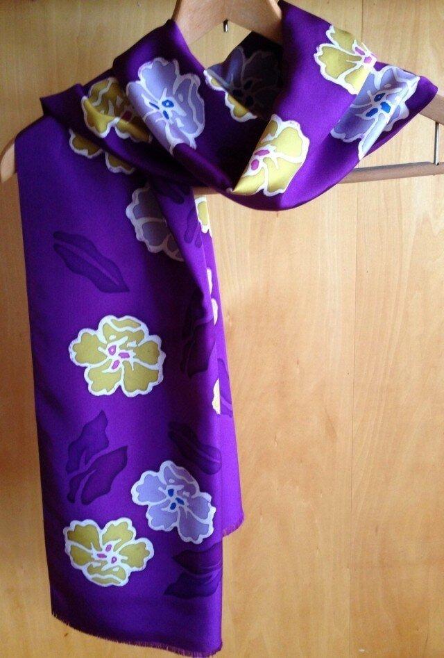 ろうけつ染め絹ストール 紫の画像1枚目