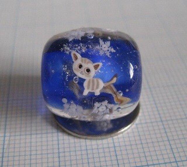 とんぼ玉 猫と雪の画像1枚目