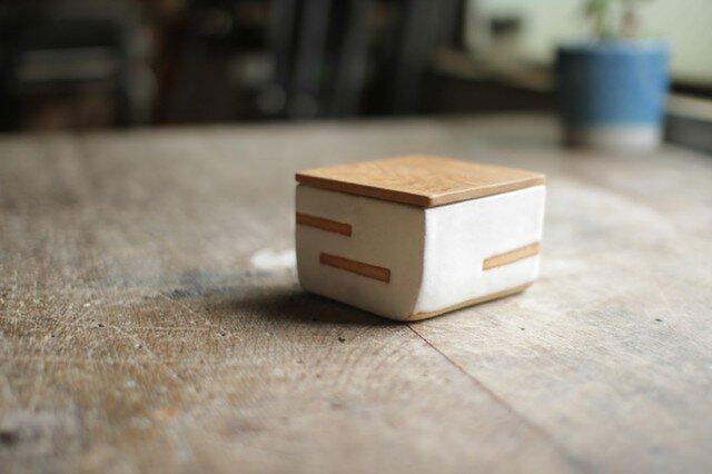 バターケース No,33 / タモの木と陶器 / ハーフサイズの画像1枚目