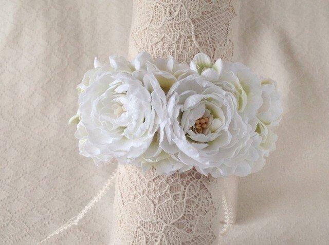 染め花のリストレット(M・ホワイト&グリーン)の画像1枚目