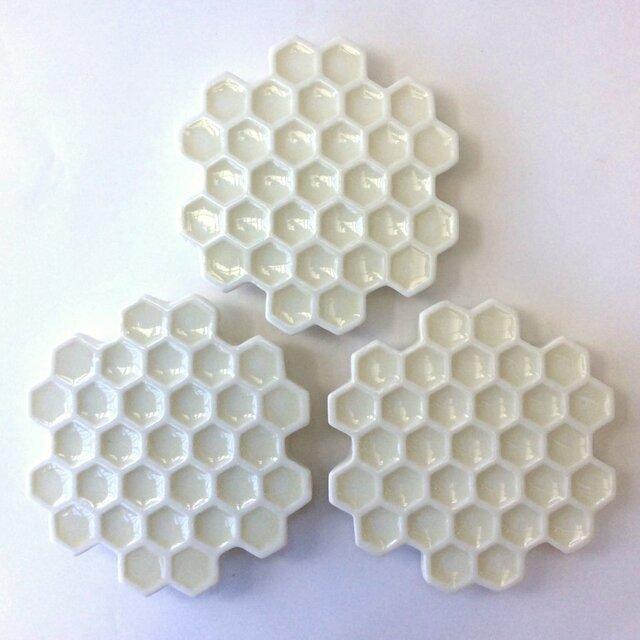 蜂の巣白皿(小)の画像1枚目