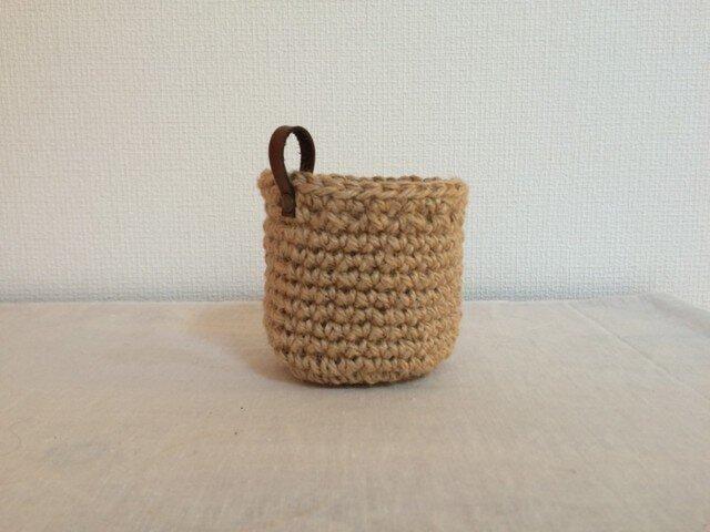 麻ひもの手編みミニかごの画像1枚目