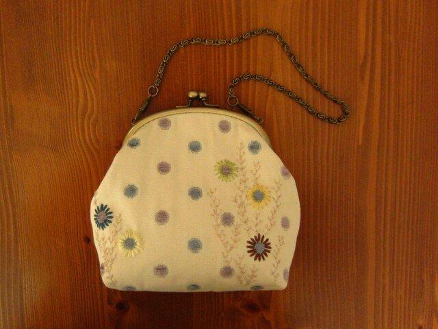 手刺繍・がまぐちバッグ(水玉・デージー)の画像1枚目