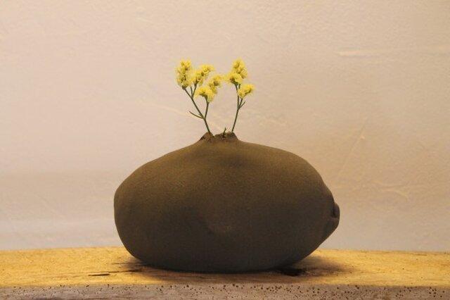 岩からお花が?一輪挿し 1 ※値下げしましたの画像1枚目