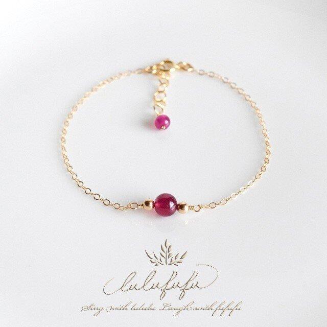 濃密の紅玉~宝石質ルビーのブレスレットの画像1枚目