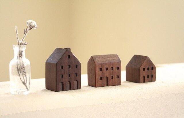 小さな木の家  -ヨーロッパの街並4-の画像1枚目