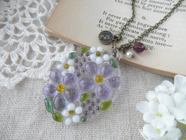 ガラスの小さな花束 ネックレス*パープルの画像1枚目