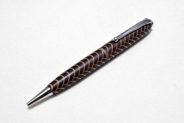 [再出品]【寄木】魚鱗模様 手作り木製ボールペン CROSS替芯の画像1枚目