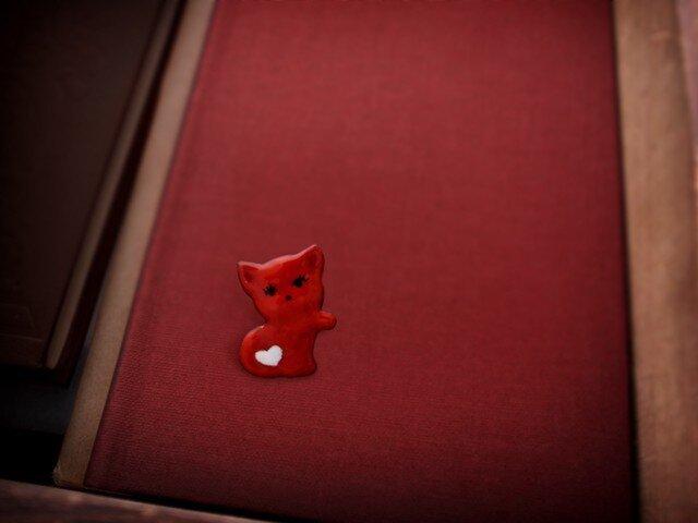 白いハートの赤ネコの画像1枚目