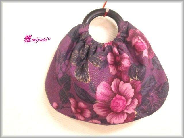 持ち手木紫系ラメシックな花柄着物地バッグの画像1枚目