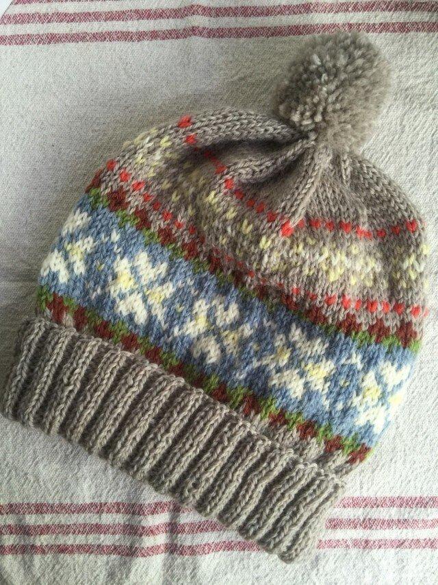 北欧伝統柄(ベージュ)  ぽんぽん帽子の画像1枚目