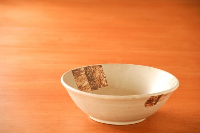 白釉七寸鉢(シカク)の画像1枚目