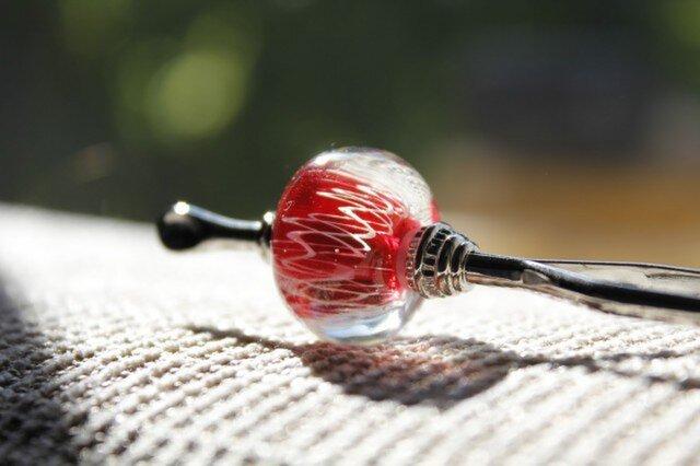 〜レース〜 蜻蛉玉のかんざし(赤)〈A-15〉の画像1枚目