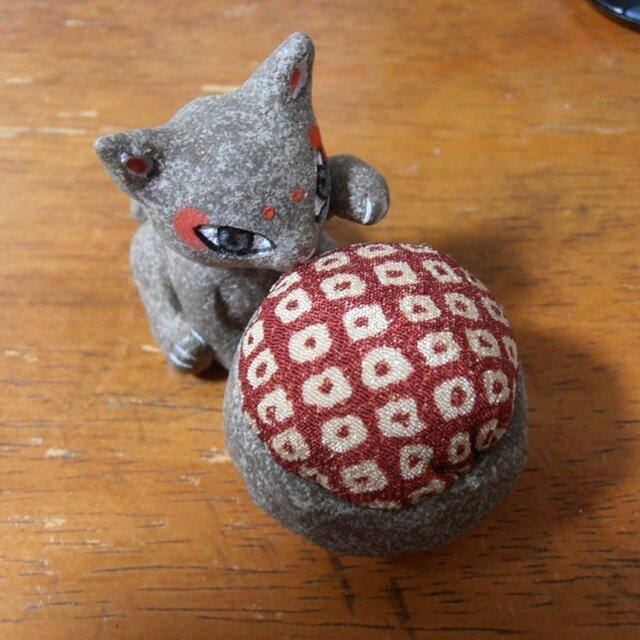 お針子猫(赤)(針山・ピンクッション)の画像1枚目