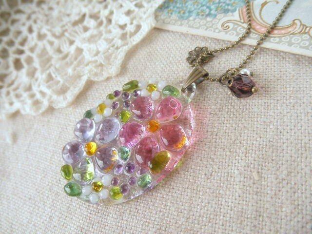 (受注制作)ガラスの小さな花束 ネックレス*ピンク&パープルの画像1枚目