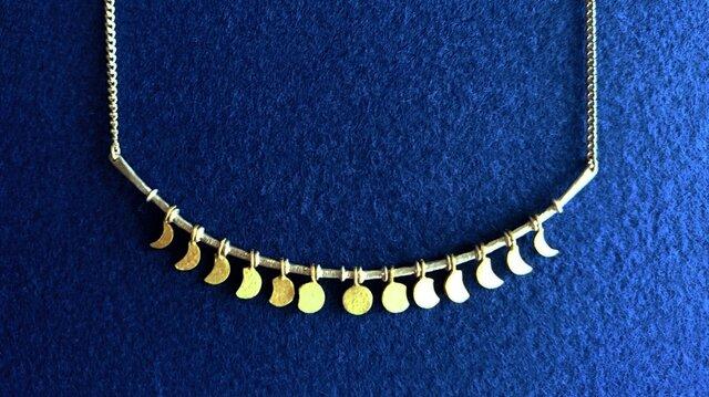 【送料無料】月の満ち欠け ネックレス SILVER&真鍮(受注製作)の画像1枚目