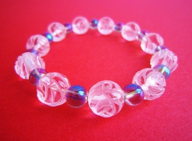 薔薇彫刻水晶&パープルオーラ ブレスレットの画像1枚目
