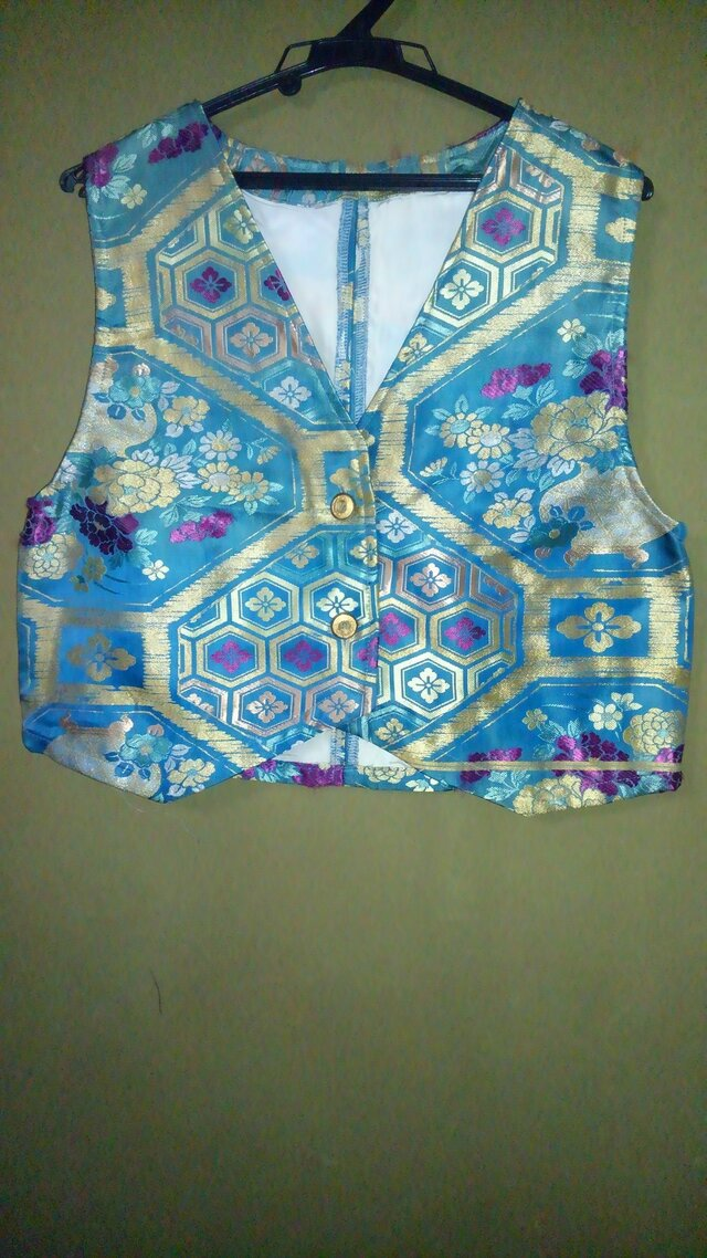 着物リサイクル 帯ベスト 金糸の画像1枚目