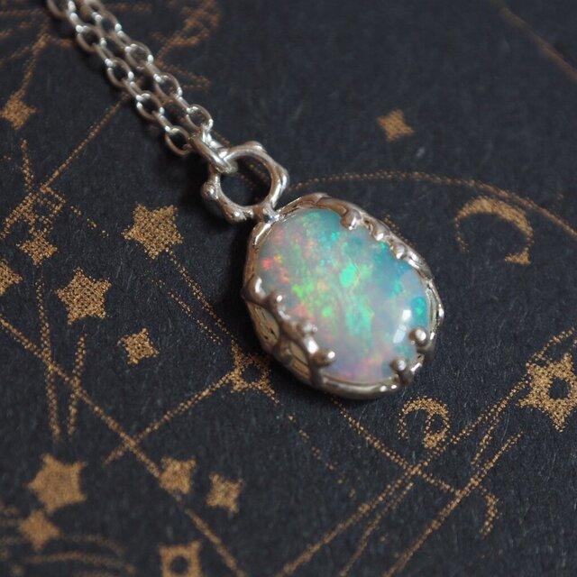 オーロラカラーきらきら虹色綺麗なオパールネックレスの画像1枚目
