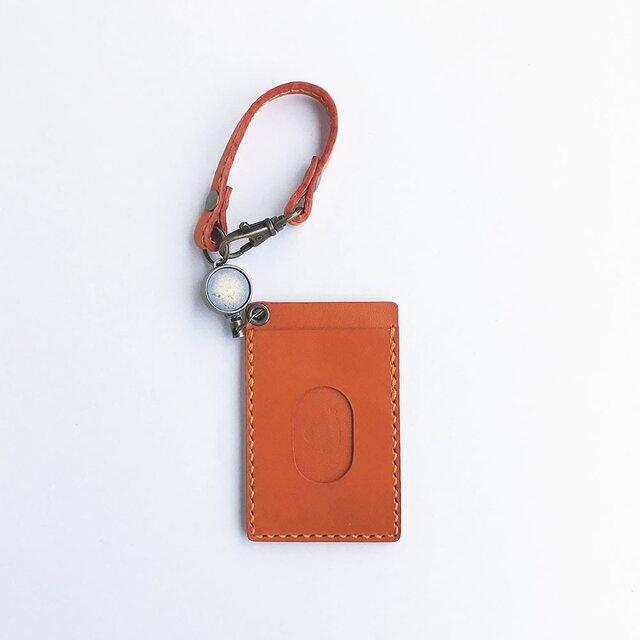 栃木レザーのリールパスケース 橙の画像1枚目