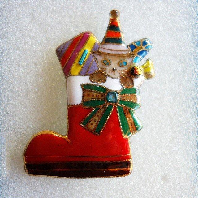 七宝焼ブローチ クリスマスのプレゼントブーツの画像1枚目