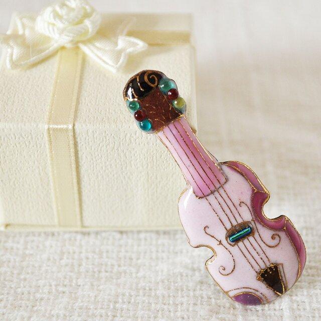 七宝焼ピンブローチ(ピンバッジ,ピンズ) バイオリン(ピンク)の画像1枚目