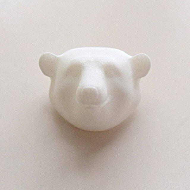 白クマのブローチの画像1枚目
