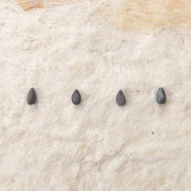 *穀物シリーズ*ゴマピアス(シルバー925/シリコンキャッチ)の画像1枚目