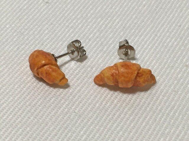 小さなパン屋さんピアス <クロワッサン>(H15007P-4)の画像1枚目