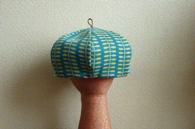 ニットの生地のベレー帽の画像1枚目