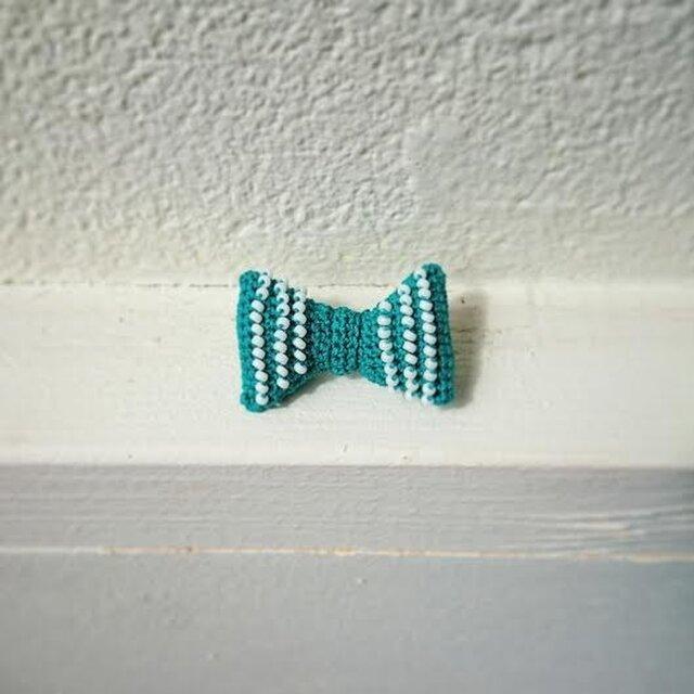 "beads ""RIBBON"" brooch // 緑の画像1枚目"