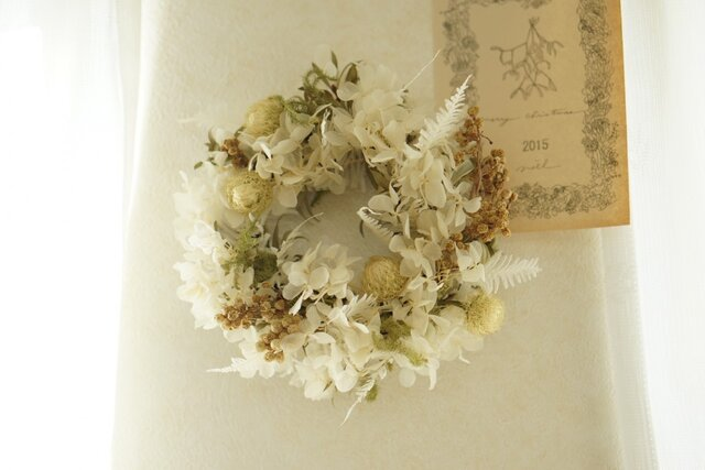 white wreathの画像1枚目
