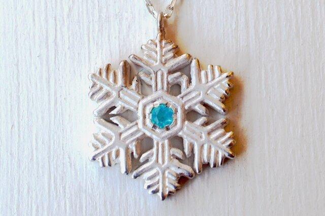 ❄冬限定❄雪の結晶ネックレス(樹枝状六花)の画像1枚目