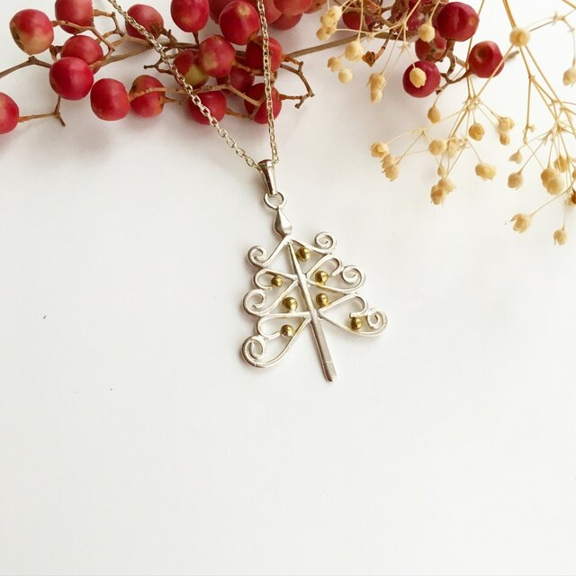 Candle Tree necklaceの画像1枚目