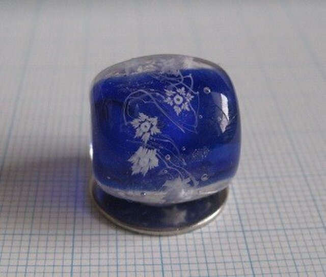 とんぼ玉 雪の結晶の画像1枚目