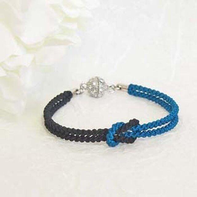 mu su fu(blue×black)絹組紐ブレス キラキラマグネット留の画像1枚目