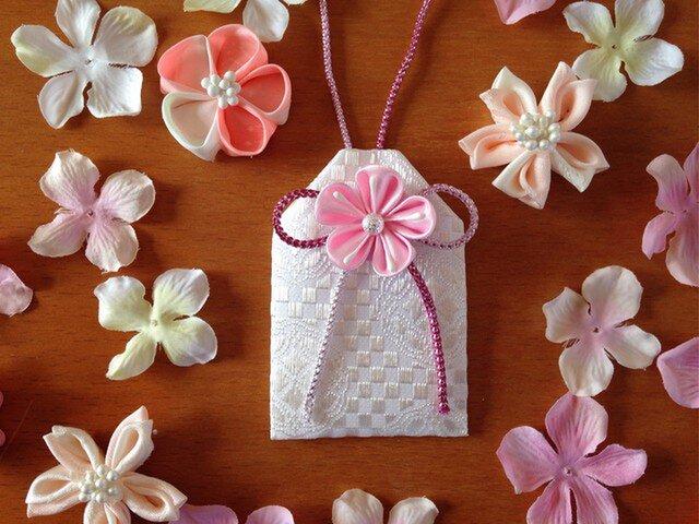 <受注製作>元巫女が作る桜のお守り袋の画像1枚目