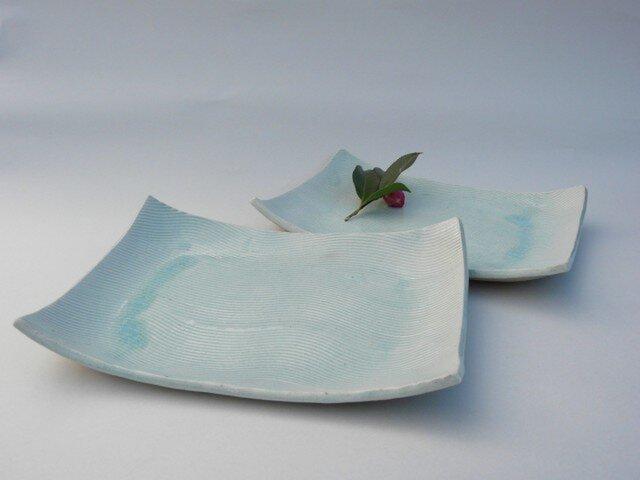 炭化波紋の皿の画像1枚目
