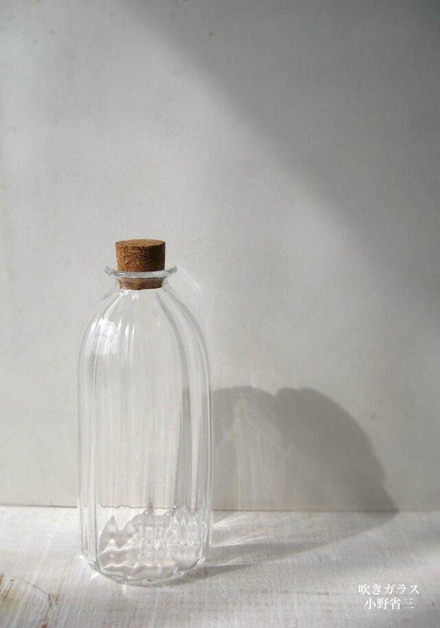 コルク栓の瓶の画像1枚目