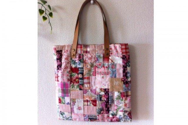 花の小布のパッチワークバッグの画像1枚目