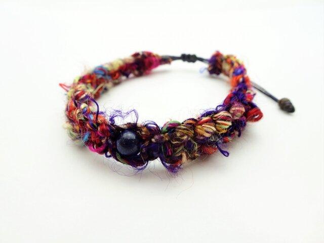 ネパール産シルク紐の編み込みブレスレット BR608の画像1枚目