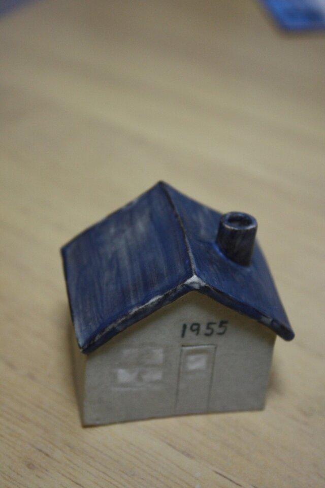 煙突のあるミニチュアハウスの画像1枚目