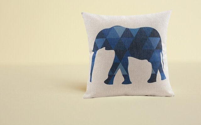 森のクッション Elephantの画像1枚目