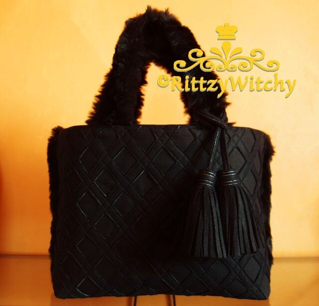 【受注生産】ブラックファーが可愛い冬の刺し子風トートバッグ(菱さし模様)の画像1枚目