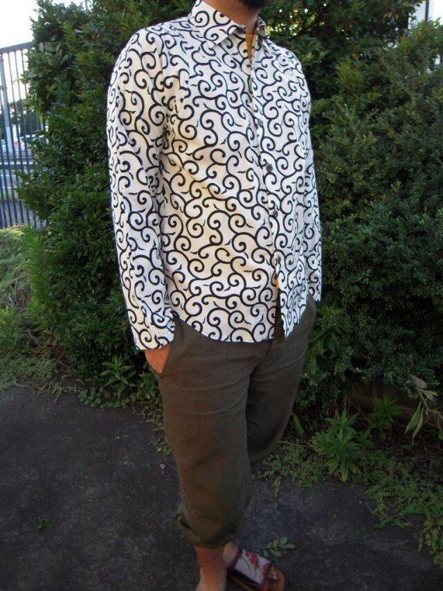 唐草模様長袖シャツの画像1枚目