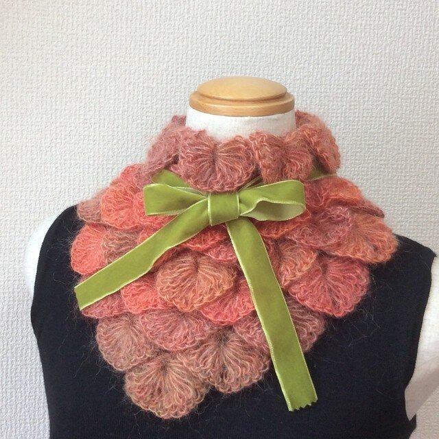 うろこ編みのサンカクミニマフラー オレンジの画像1枚目